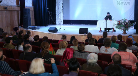 В Пензе состоялся семинар монахини Софии (Ищенко) «Зачем духовность детям, или Что писать о «духовном воспитании» в отчетах для руководства»